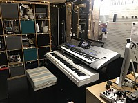 Len Baker - Keyboard and Piano Tuition